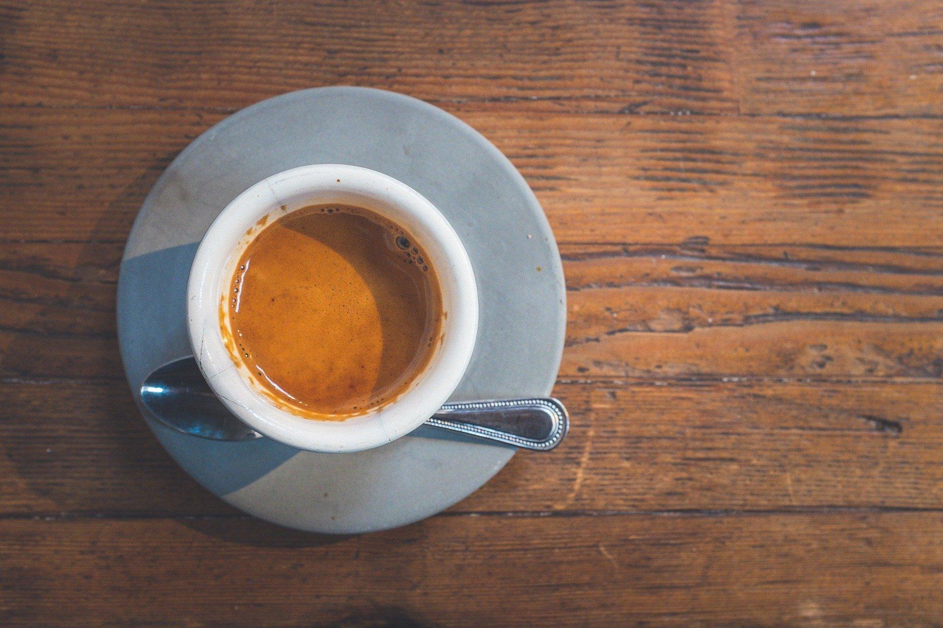 Kopi berukuran short hanya untuk kopi panas dan harga lebih murah